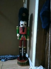 green and red Nutcracker soldier