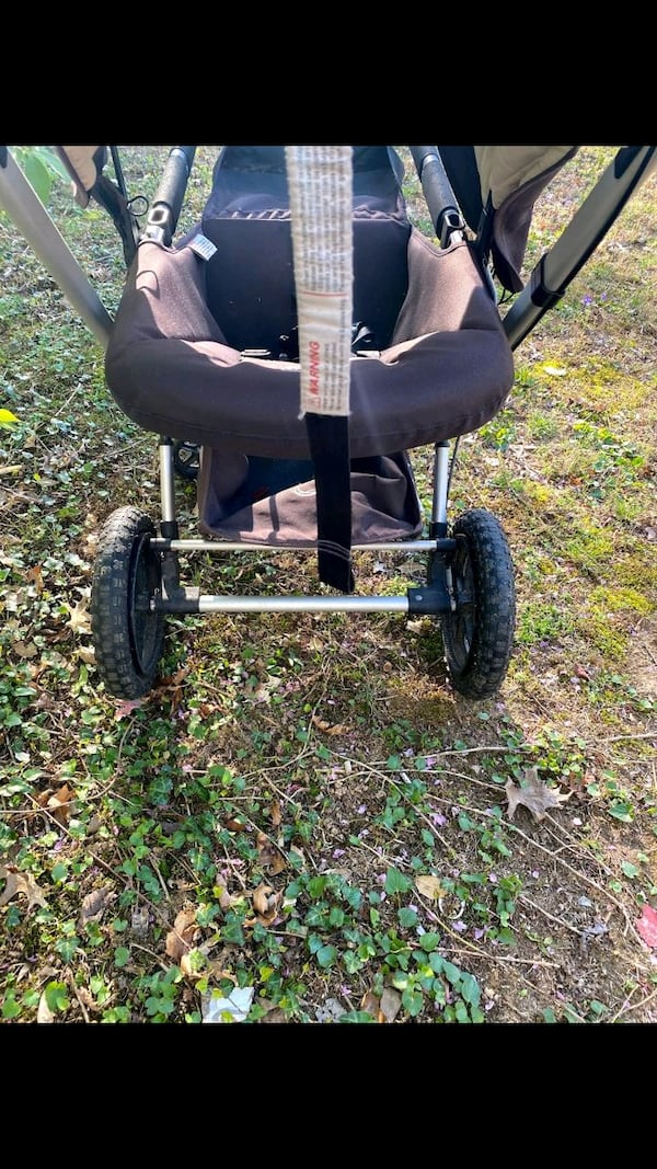 excellent condition Bugaboo Frog jogging and pushing stroller $150 68d7a891-4e15-4a29-a360-6f243f6435a7