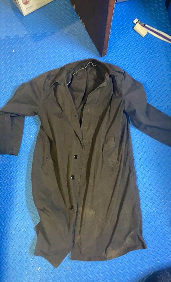 Old school Trench coat fecbdfb6-cb05-4023-b4eb-77895d5333d7