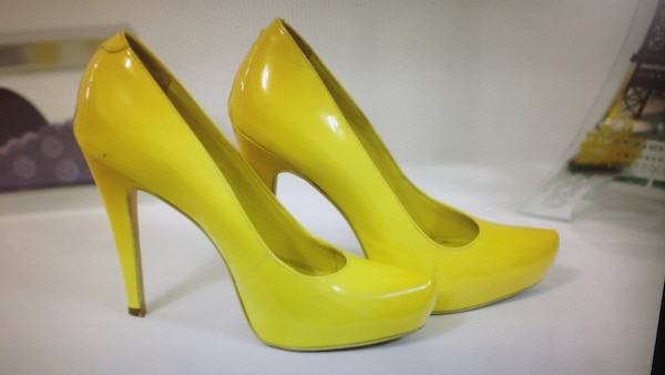 605f7551a72 Used Women s paired yellow platform stilettos for sale in Vaughan ...