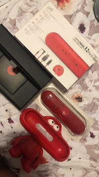 BeatsPill complete with freebies Vancouver, V5X 2G8