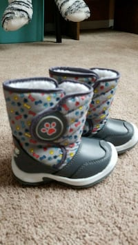 Paw Patrol Winter boots size 5 Mississauga, L5V 1B2