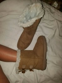 Holly faux fur boots size 10 Oklahoma City, 73108