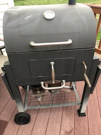 black and gray gas grill Leesburg, 20175