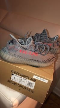 pair of gray Adidas Yeezy Boost 350 V2 with box New York, 11367