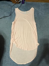 Flowy Shirt Size Medium. Perfect to wear with leggings.  Reading