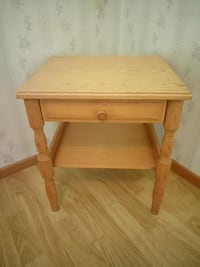 Wooden side table with drawer Örebro