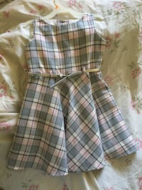 EUC girls dress with belt !! Size 5 Cambridge, N3C 1J5