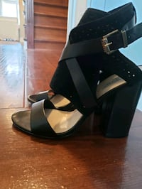 Ladies Leather Sandals
