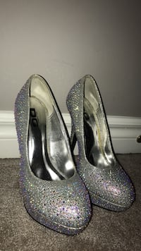 size 5 and a half sparkly heels Barrie