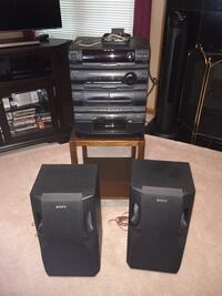 Sony Stereo/Compact Disk Deck Receiver & (2) Speakers Northfield, 44067