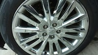 21inch rims Lincoln emblem. Moderate condition, couple deep scratches. Fort Washington, 20744