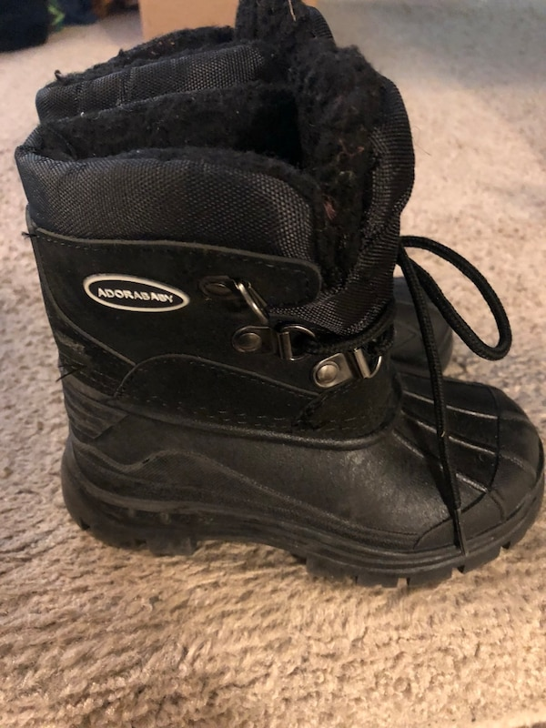 Black toddler boots size 8
