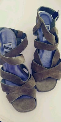 Rush Hour Size 6 Green Suede Leather Mod Heel