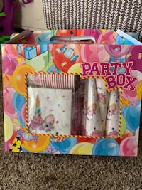 Unicorn birthday party kitonly one of these available Tulare, 93274