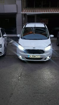 Ford - Courier - 2016 8426 km