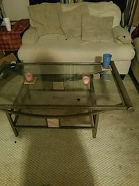 glass coffee table 2 end tables  Manassas, 20109