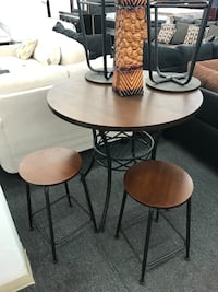 4-stools and table set Chicago, 60621