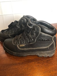 Mountain Gear safety work boots, size 10 1/2