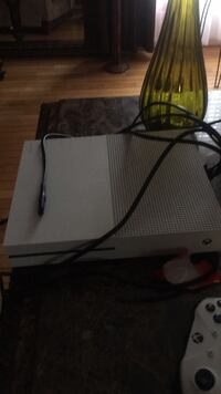 white Xbox One console with controller Accokeek, 20607