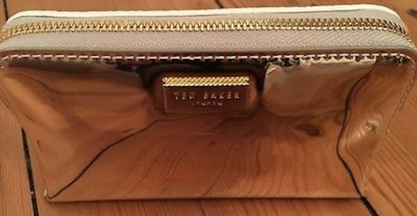 e6670913a Used Metallic Ted Baker purse for sale in Leicester - letgo
