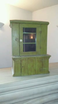 brown wooden cabinet with mirror Greencastle, 17225