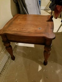 Brown wooden end table Fort Washington