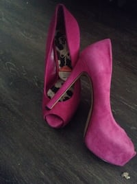 pair of pink suede pointed-toe heeled shoes Surrey, V3W 2P6