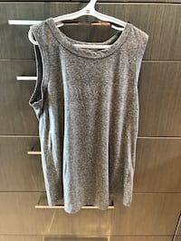 Current Elliott sleeveless grey cotton top. Size small. Open back. Paid $120 US Burnaby, V5B 1H1