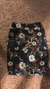 Lula Roe Cassie skirt size small Portage, 49024