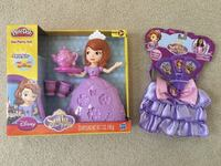 Sofia the First Tea Party Play Doh + Royal Purse and Fan set Ashburn