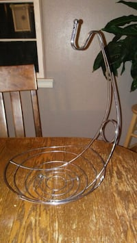 Metal fruit bowl and banana rack