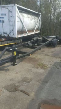 Manual hydraulic boat trailer