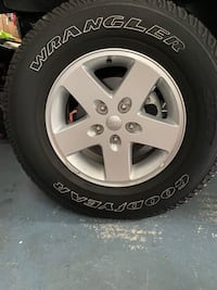 5 Jeep Wheels and Tires Linganore, 21774