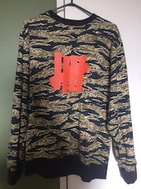Undefeated Crew Sweater   Toronto, M6M 5A7
