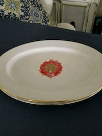 round white and red floral ceramic plate Carlsbad, 92010