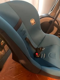 New car seat never used