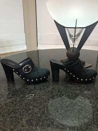 """Coach Willow Black Signature Style With Silver Buckle & Studs 4.5"""""""