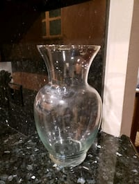 Brand new tall glass flower vase  Los Angeles, 90024