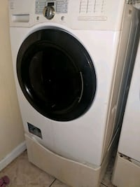 Front loader washer with pedestal Mary Esther, 32569