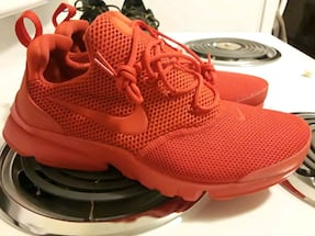nike 7 youth ,or womens 8 never worn