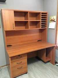 Desk and hutch set