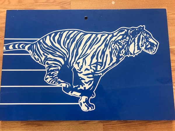 Metal Esso Tiger Gas Station Sign, oil can signs cans Imperial