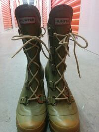 HUNTER.  SIZE 7 rubber heel boots Calgary, T2M 4L2