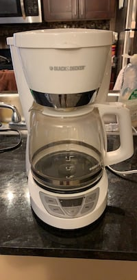 white and gray Black & Decker coffeemaker 3151 km