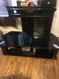 TV stand with swivel mount  Victoria, V8T 4G6