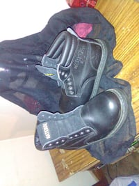 New work boots size 5