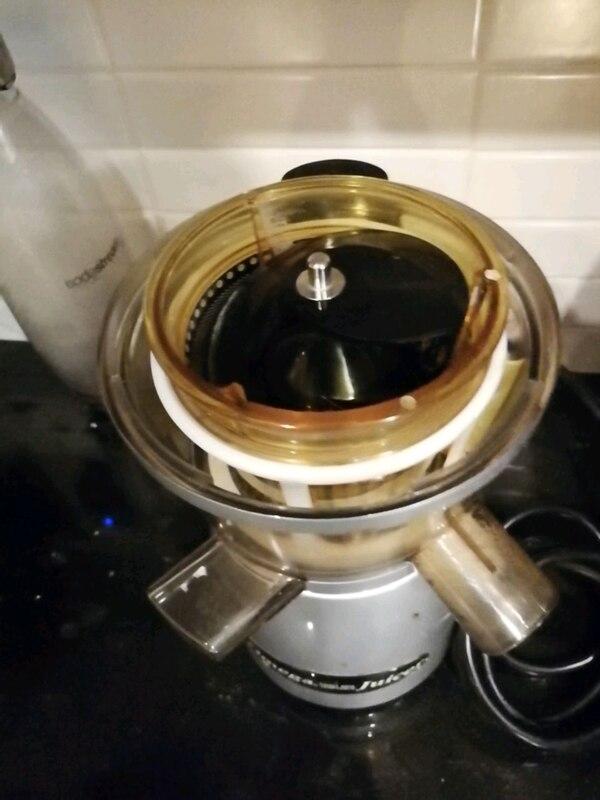 Omega $500 msrp commercial grade juice extractor  f1856184-7bc7-435f-ad37-c29c7e9ff6b1