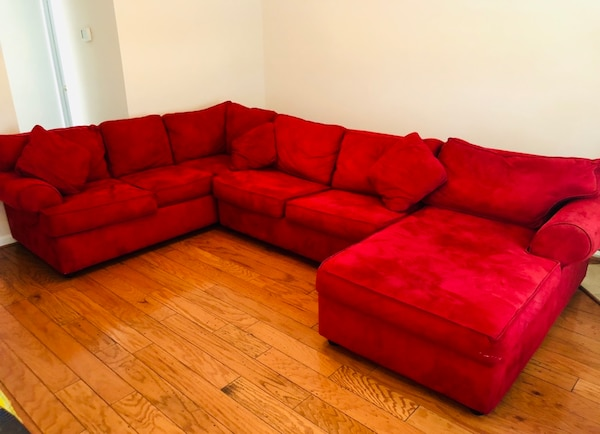 Red Right Chaise 3 Piece Sectional w/ Sleeper 1643183c-4f5a-4eb5-8644-314e2c06e3db