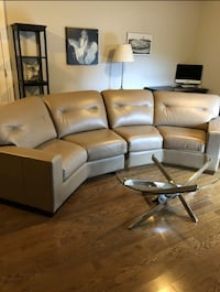 FREE DELIVERY: NICE REAL LEATHER SECTIONAL COUCH - PERFECT COND Markham, L3R 9W3